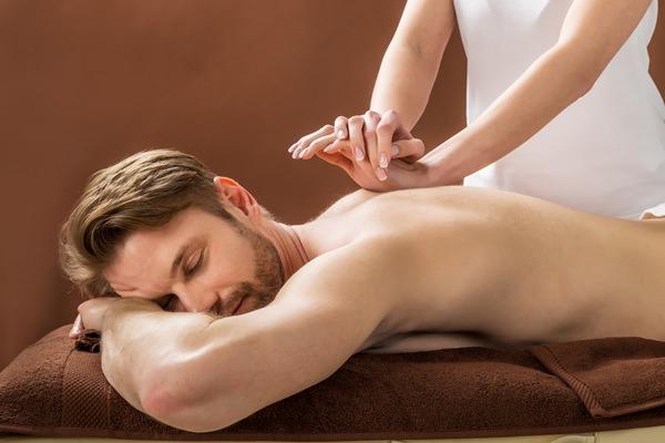 Exklusive Geschenke für Männer: Massage verschenken